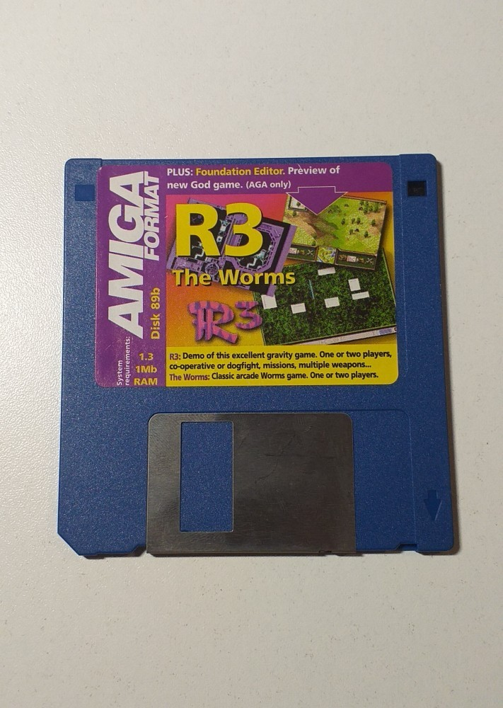Joc AMIGA  R3 + The Worms - DEMO - G