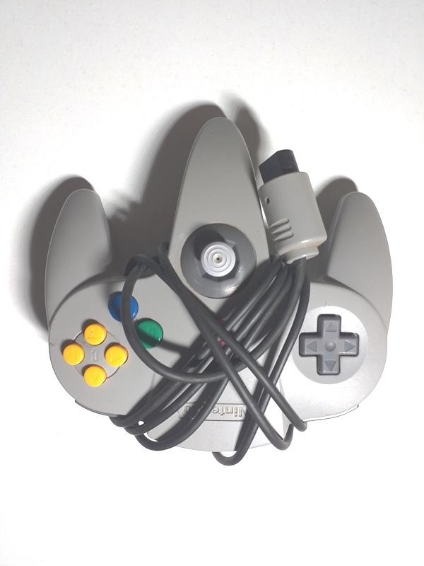 Controller Nintendo 64 - Nintendo®